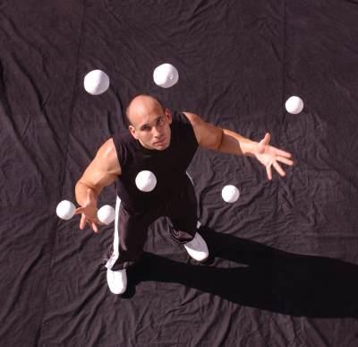 Žonglovanie posilňuje nervové spojenia mozgu